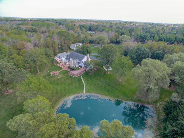 13340 N Hawthorne Ct, Mequon, WI 53097 (#1563799) :: Tom Didier Real Estate Team
