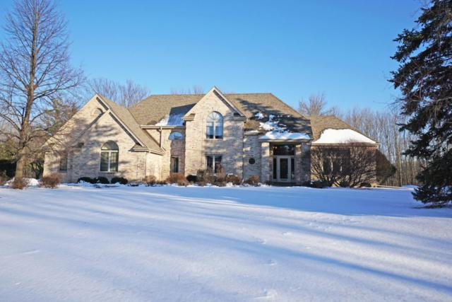 2580 Wynfield Ln, Brookfield, WI 53045 (#1563944) :: Tom Didier Real Estate Team