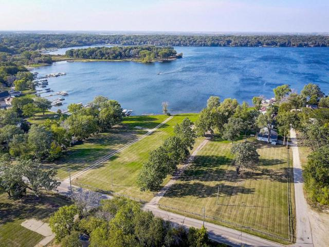 4421 South Shore Estates, Delavan, WI 53115 (#1565886) :: Tom Didier Real Estate Team