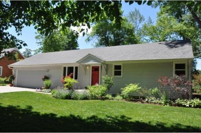 7639 N Seneca Rd, Fox Point, WI 53217 (#1568025) :: Vesta Real Estate Advisors LLC