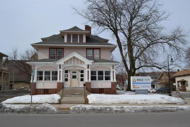 620 Maple Ave, Waukesha, WI 53186 (#1569196) :: RE/MAX Service First