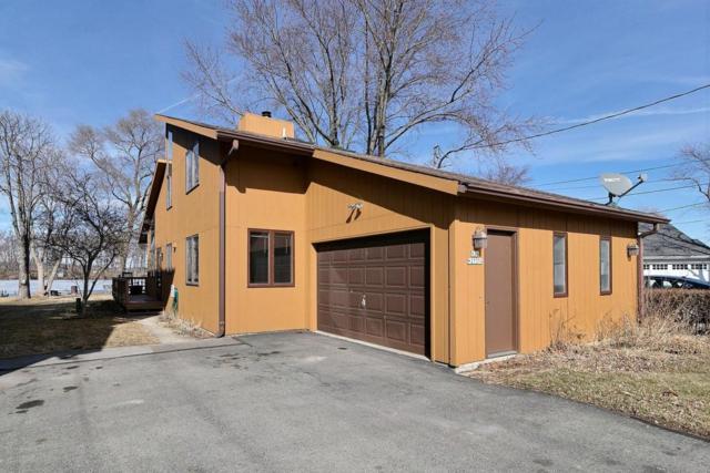N29W27374 Peninsula Dr, Pewaukee, WI 53072 (#1569279) :: Vesta Real Estate Advisors LLC