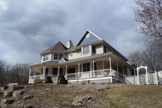17450 Oak Park Row, Brookfield, WI 53045 (#1569621) :: Vesta Real Estate Advisors LLC