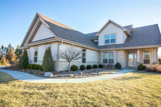 N72W24549 Swanson Ct, Sussex, WI 53089 (#1569661) :: Vesta Real Estate Advisors LLC