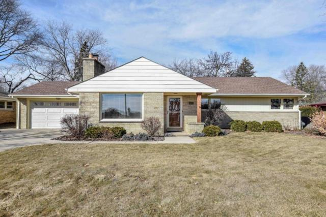 2127 N 122nd St, Wauwatosa, WI 53226 (#1570339) :: Vesta Real Estate Advisors LLC