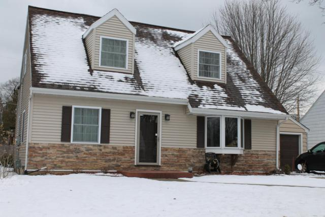 W63N378 Hillcrest Ave, Cedarburg, WI 53012 (#1570459) :: Tom Didier Real Estate Team