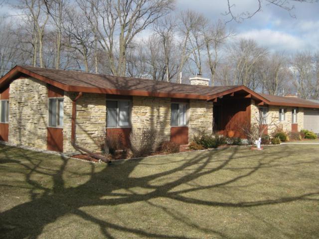 2414 W Club View Dr, Glendale, WI 53209 (#1570480) :: Vesta Real Estate Advisors LLC