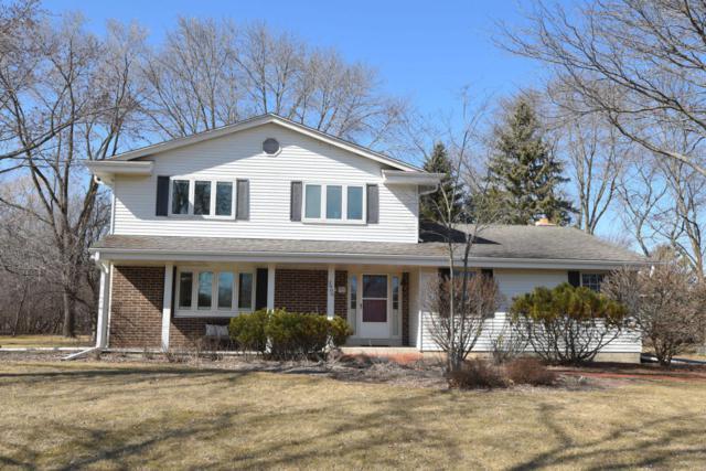 2808 W Chestnut, Mequon, WI 53092 (#1571159) :: Vesta Real Estate Advisors LLC