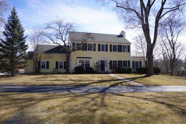 850 Lone Tree Rd, Elm Grove, WI 53122 (#1571188) :: Vesta Real Estate Advisors LLC