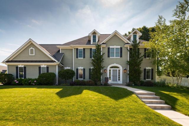 W53N1060 Hawthorne Ln, Cedarburg, WI 53012 (#1571205) :: Tom Didier Real Estate Team