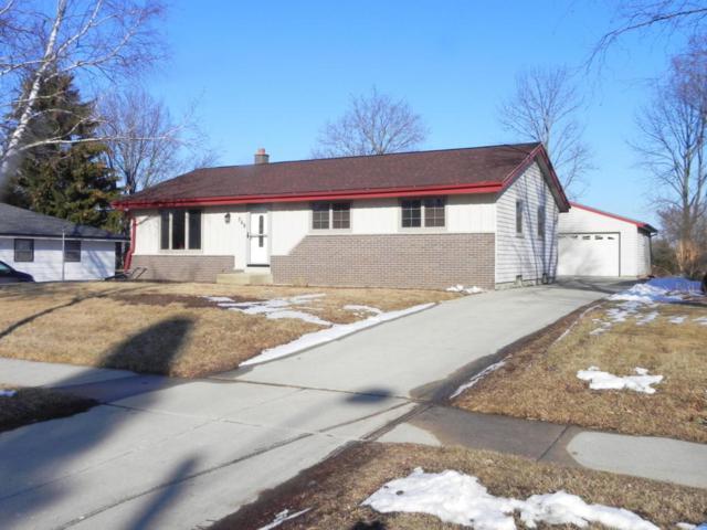 368 S Colonial Pkwy, Saukville, WI 53080 (#1571274) :: Tom Didier Real Estate Team