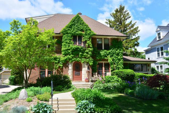 4431 N Murray Ave, Shorewood, WI 53211 (#1571402) :: Tom Didier Real Estate Team