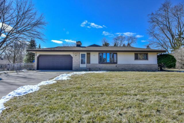 3835 Brook Ln, Brookfield, WI 53005 (#1571448) :: Vesta Real Estate Advisors LLC