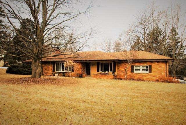 2535 Alta Louise Parkway, Brookfield, WI 53045 (#1571617) :: Vesta Real Estate Advisors LLC