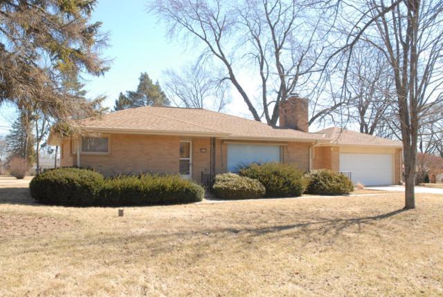 4240 N 163rd St, Brookfield, WI 53005 (#1571769) :: Vesta Real Estate Advisors LLC