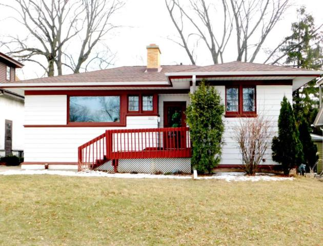 2015 E Beverly Rd, Shorewood, WI 53211 (#1574553) :: Tom Didier Real Estate Team