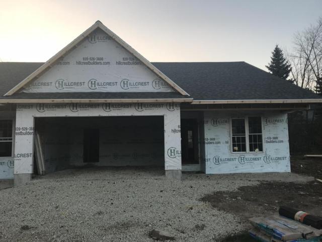 516 Briarknoll Cir #2, Saukville, WI 53080 (#1575201) :: Tom Didier Real Estate Team