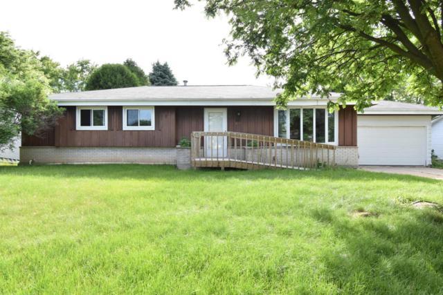 1024 Glencrest Ct, Saukville, WI 53080 (#1576370) :: Tom Didier Real Estate Team