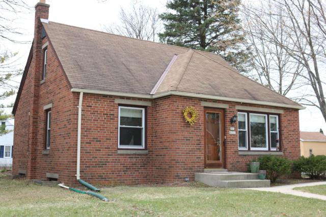 N81W6701 Fair St, Cedarburg, WI 53012 (#1578829) :: Tom Didier Real Estate Team