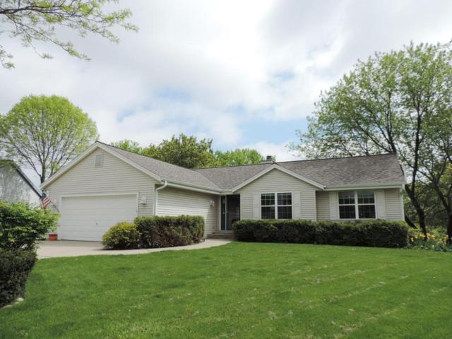 314 Turnberry Ct, Pewaukee, WI 53072 (#1578861) :: Tom Didier Real Estate Team