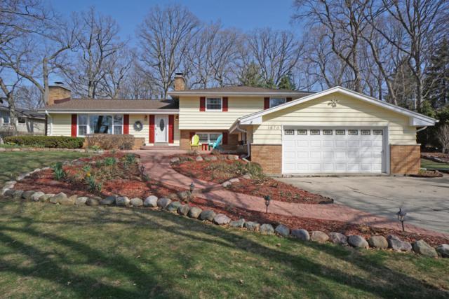 1670 Lindhurst Ct, Elm Grove, WI 53122 (#1578916) :: Vesta Real Estate Advisors LLC
