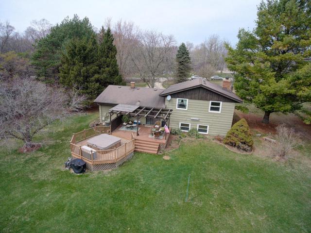 4629 Pleasant Valley Rd, Cedarburg, WI 53024 (#1579305) :: Tom Didier Real Estate Team