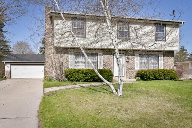 257 S Regis Rd, Saukville, WI 53080 (#1580178) :: Tom Didier Real Estate Team
