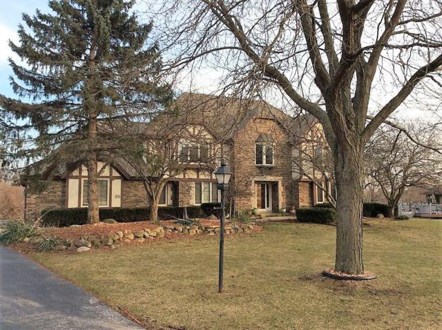 W236N3360 Fieldside Ct., Pewaukee, WI 53072 (#1581061) :: Vesta Real Estate Advisors LLC