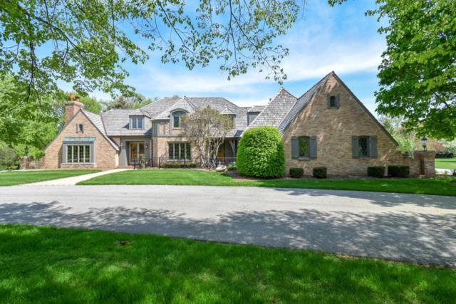 N11W29450 Castle Combe, Delafield, WI 53188 (#1581518) :: Vesta Real Estate Advisors LLC