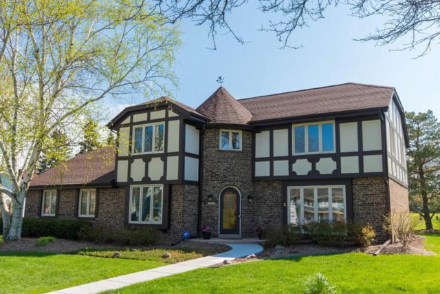 12547 N La Belle Ct, Mequon, WI 53092 (#1581832) :: Vesta Real Estate Advisors LLC