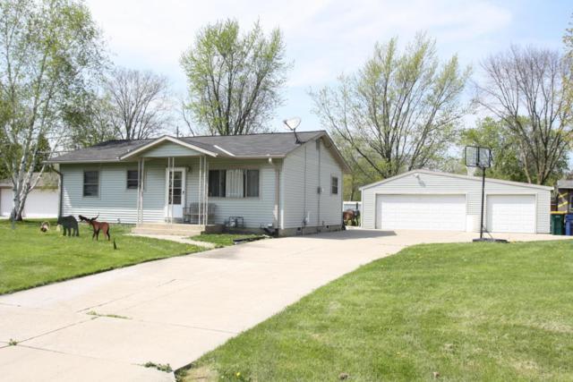 4338 E Studio Ln, Oak Creek, WI 53154 (#1581837) :: Tom Didier Real Estate Team