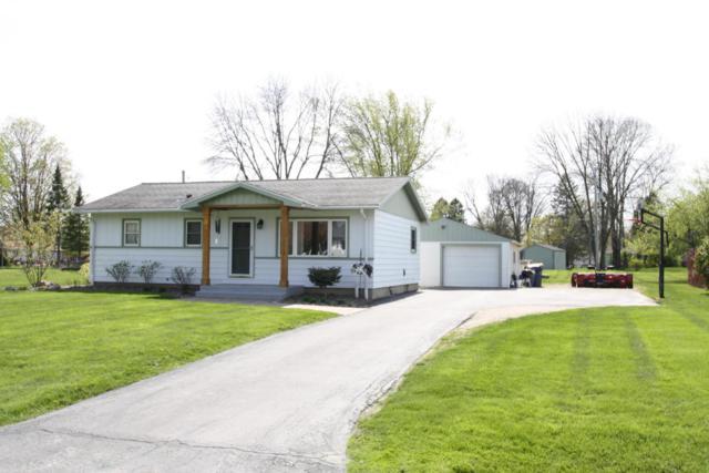 10579 S Barton Rd, Oak Creek, WI 53154 (#1582328) :: Tom Didier Real Estate Team