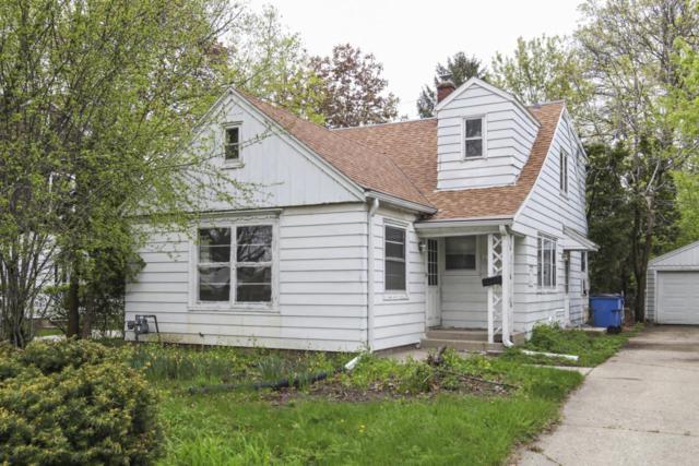 1018 E Hampton Rd, Whitefish Bay, WI 53217 (#1582930) :: Vesta Real Estate Advisors LLC