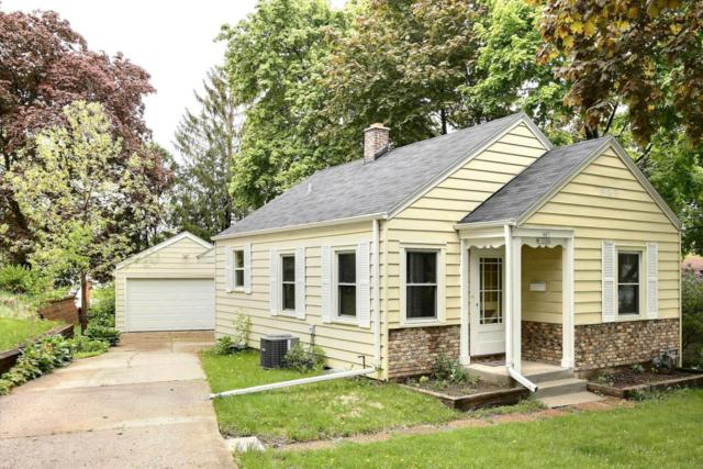 N85W16304 Arthur Ave, Menomonee Falls, WI 53051 (#1586582) :: Vesta Real Estate Advisors LLC