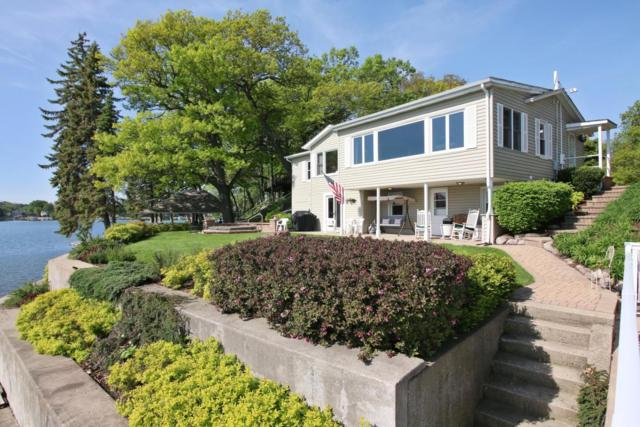 305 Indian Point Rd, Twin Lakes, WI 53181 (#1586813) :: Vesta Real Estate Advisors LLC
