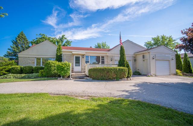 501 Hillcrest Rd, Saukville, WI 53080 (#1588807) :: Tom Didier Real Estate Team