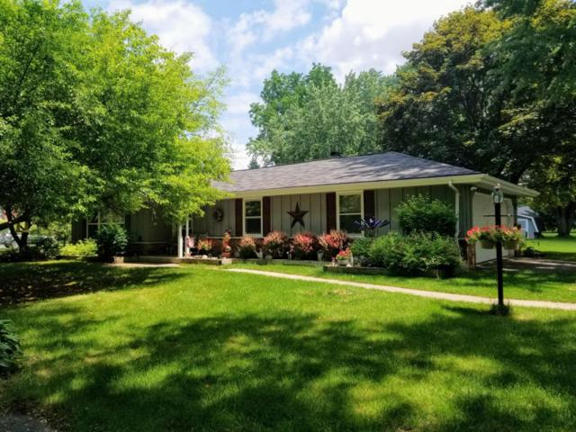 660 Westridge Dr, Cedarburg, WI 53012 (#1593711) :: Tom Didier Real Estate Team