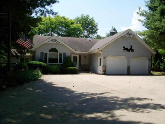 7261 Luxembourg Ln, Belgium, WI 53075 (#1593767) :: Tom Didier Real Estate Team