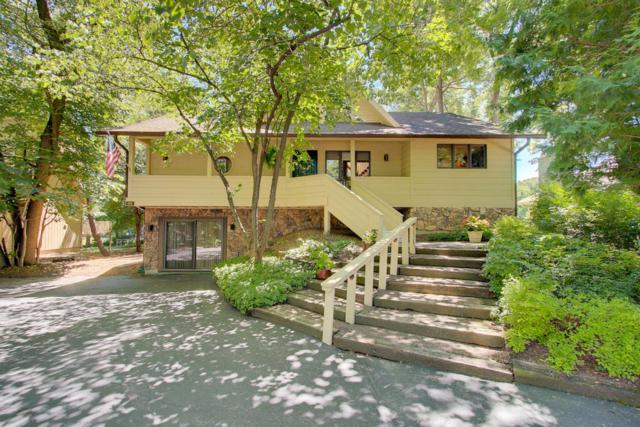 153 Saint Andrews Trl, Fontana, WI 53125 (#1594753) :: Tom Didier Real Estate Team