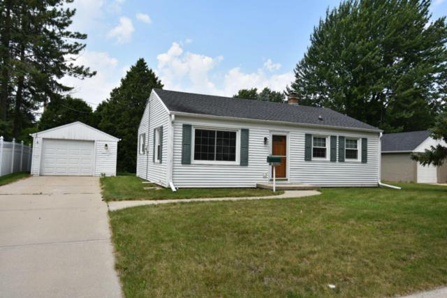 W59N777 Highwood Dr, Cedarburg, WI 53012 (#1595476) :: Tom Didier Real Estate Team