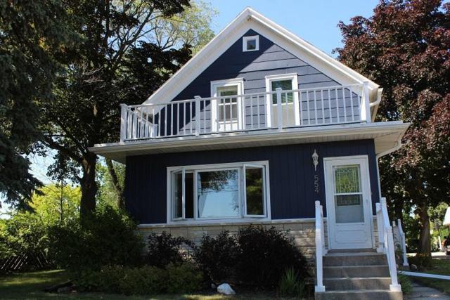 554 W Oakland Ave., Port Washington, WI 53074 (#1595964) :: Tom Didier Real Estate Team