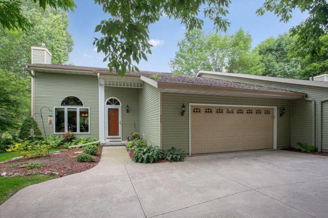 800 Stoney Brook Dr #502, Manitowoc, WI 54220 (#1598173) :: Tom Didier Real Estate Team