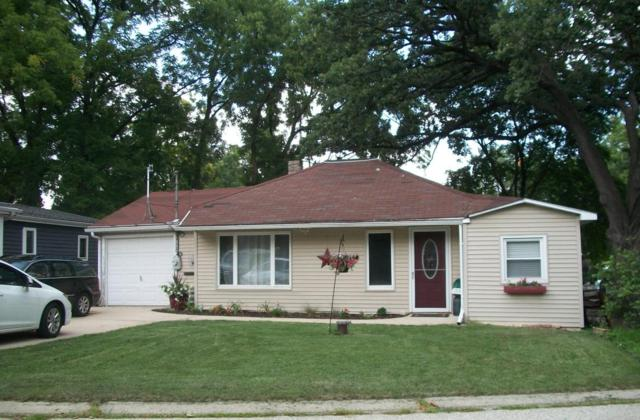 1519 2nd St, Delafield, WI 53018 (#1599291) :: RE/MAX Service First