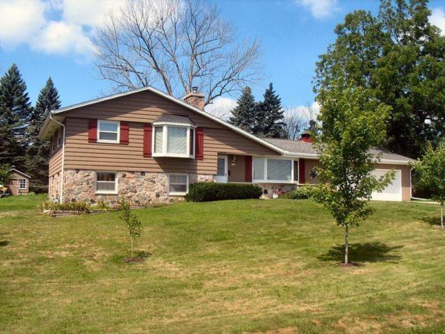 2753 County Road I, Saukville, WI 53080 (#1599890) :: Tom Didier Real Estate Team