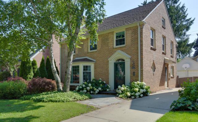 5826 N Kent Ave, Whitefish Bay, WI 53217 (#1600243) :: Tom Didier Real Estate Team