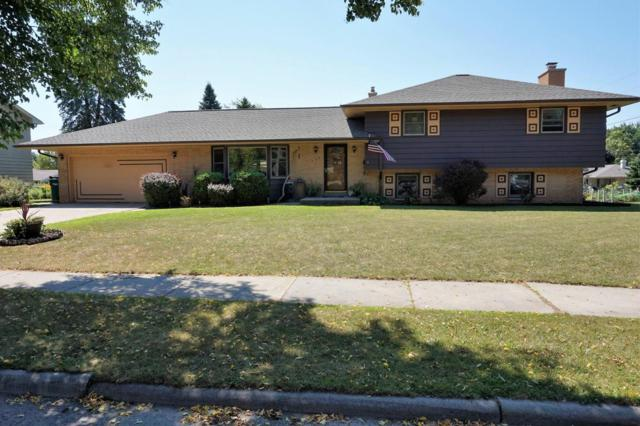 527 W Jefferson St, Port Washington, WI 53074 (#1600339) :: Tom Didier Real Estate Team