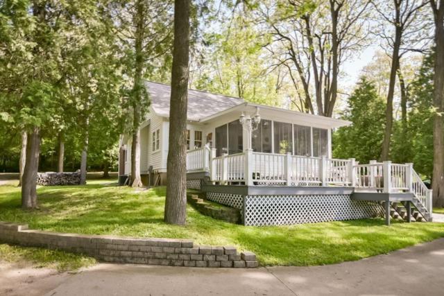4240 Blueberry Rd, Saukville, WI 53021 (#1600541) :: Tom Didier Real Estate Team