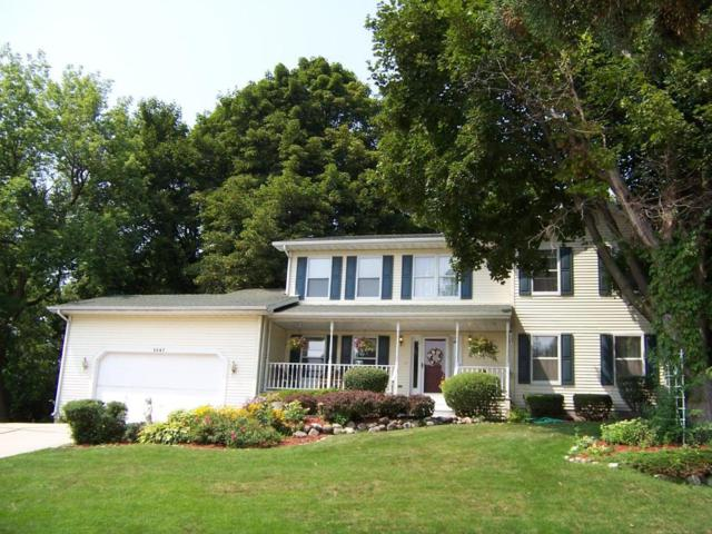 W238N5947 Essex Cir, Sussex, WI 53089 (#1600634) :: Vesta Real Estate Advisors LLC