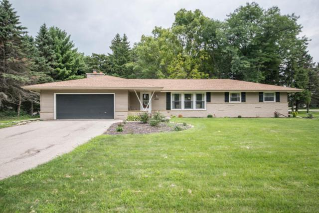1500 Lookout Ln, Brookfield, WI 53045 (#1600856) :: RE/MAX Service First
