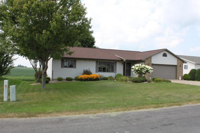 N1657 Servais Collern, Greenfield, WI 54601 (#1601117) :: RE/MAX Service First